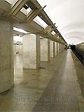"""Станция """"Полянка"""".  Путевой зал. Архитектура станции выполнена в простых архитектурных формах и в традиционном цвете древнего зодчества."""