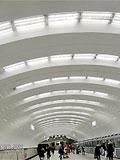 """Станция метро """"Бабушкинская"""". Оптимальноерасположение светильников и форма станционного свода создают ощущение простора и обилие пространства."""