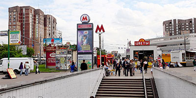 """Наружная рекламно-информационная установка на станции """"Бабушкинская"""""""