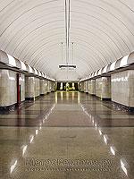 """Станция метро """"Дубровка"""". Панорама центрального станционного зала. Лаконичность и совершенство линий."""